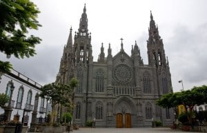visita a la iglesia de Arucas