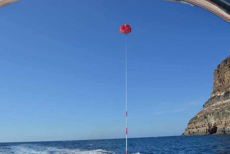 paracaidismo en el mar