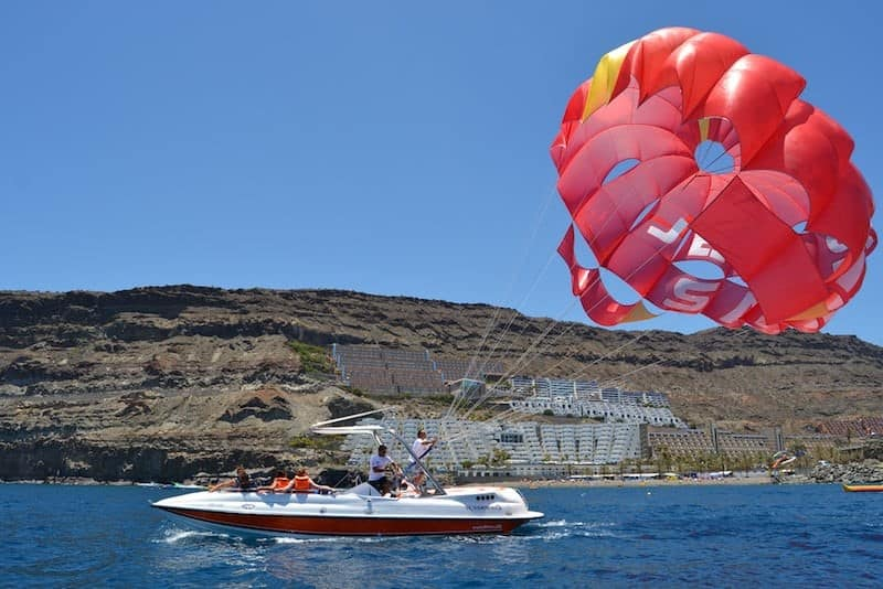 where to do parasailing in Gran Canaria