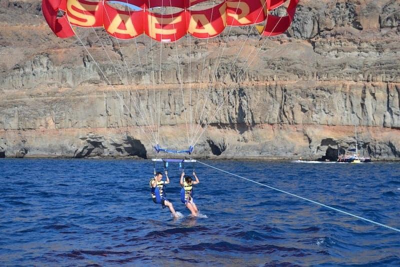 parasailing en pareja en Taurito