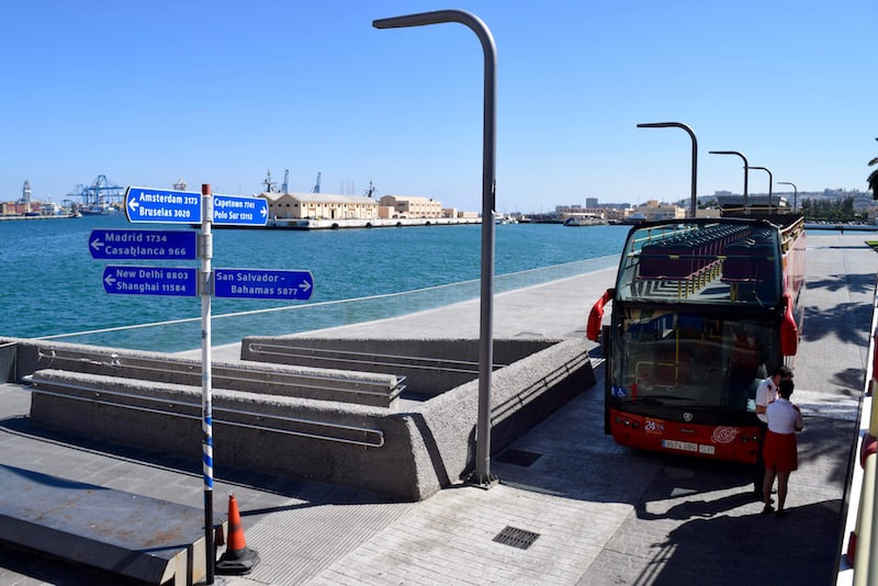 bus stop for cruises in Gran Caanria